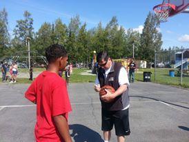 Daishen and Mayor Signing Ball